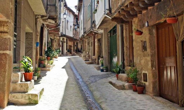 Ngắm những ngôi làng đẹp nhất Tây Ban Nha - Ảnh 7.