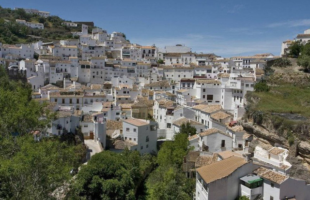 Ngắm những ngôi làng đẹp nhất Tây Ban Nha - Ảnh 8.
