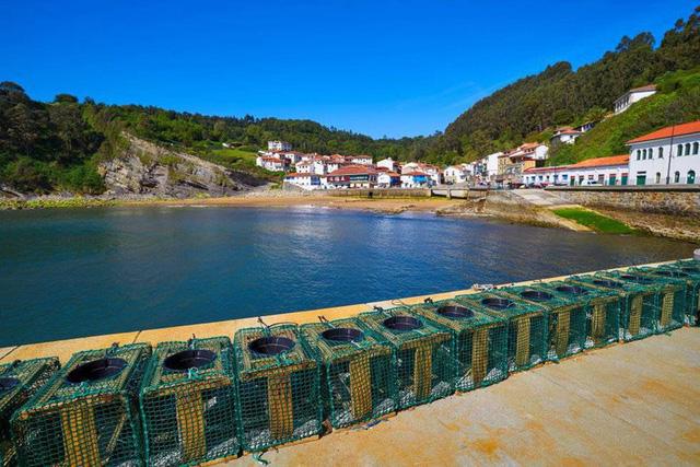 Ngắm những ngôi làng đẹp nhất Tây Ban Nha - Ảnh 9.