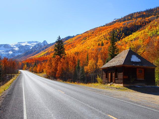 Xốn xang trước vẻ đẹp rực rỡ của mùa thu trên thế giới - Ảnh 2.