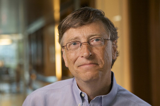 Tỷ phú Bill Gates khoe nút vàng YouTube - Ảnh 2.