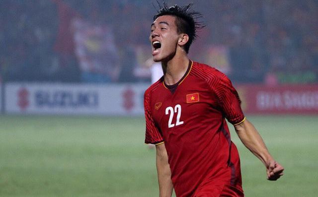 Trang chủ FIFA: Ngôi sao đang lên Tiến Linh đặt mục tiêu lớn cùng ĐT Việt Nam - Ảnh 1.