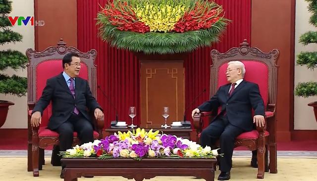 Tổng Bí thư, Chủ tịch nước Nguyễn Phú Trọng tiếp Thủ tướng Campuchia - Ảnh 1.