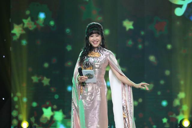 Quỳnh Hoa từng bị bạn mắng vì bỏ dở sự nghiệp đi làm MC - Ảnh 1.