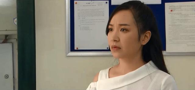 Những nhân viên gương mẫu - Tập 35: Được đại gia chống lưng, Chi (Kim Oanh) hứa hẹn còn lên cao nữa - Ảnh 2.
