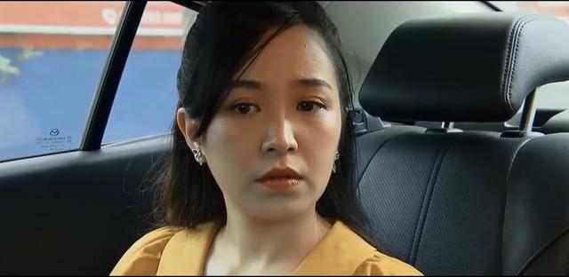 Những nhân viên gương mẫu - Tập 35: Chi (Kim Oanh) bị đại gia đứng sau lưng cảnh cáo - Ảnh 3.