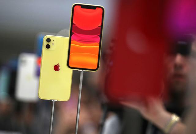 iPhone 11 bán chạy đến mức Apple chẳng kịp sản xuất - Ảnh 1.