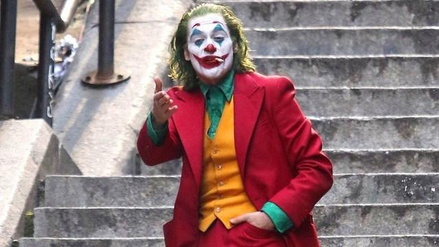 Siêu phẩm Joker càn quét doanh thu phòng vé cuối tuần - Ảnh 1.