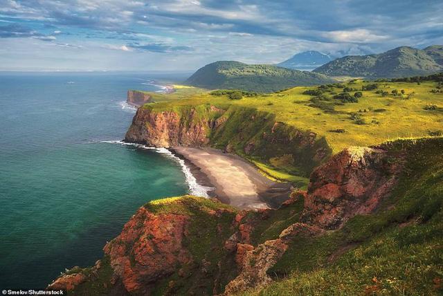 Khám phá những bờ biển tuyệt đẹp trên thế giới - ảnh 14