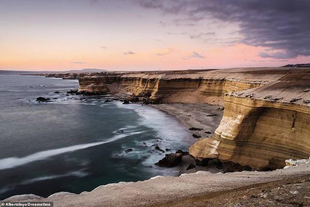 Khám phá những bờ biển tuyệt đẹp trên thế giới - ảnh 5