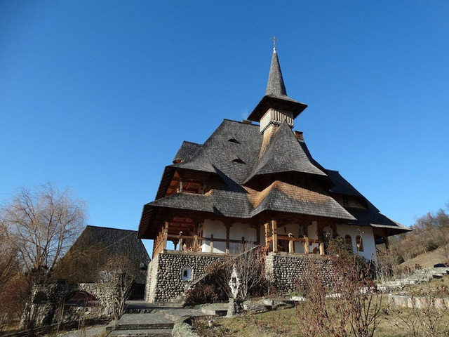 Ngắm những tòa nhà, khu phố cổ thơ mộng ở Đông Âu - ảnh 5