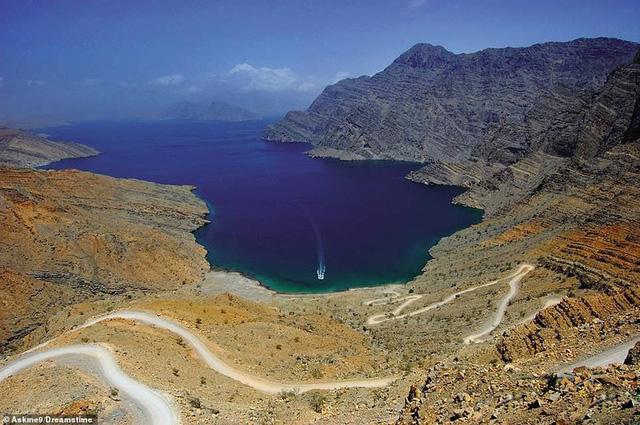 Khám phá những bờ biển tuyệt đẹp trên thế giới - ảnh 6