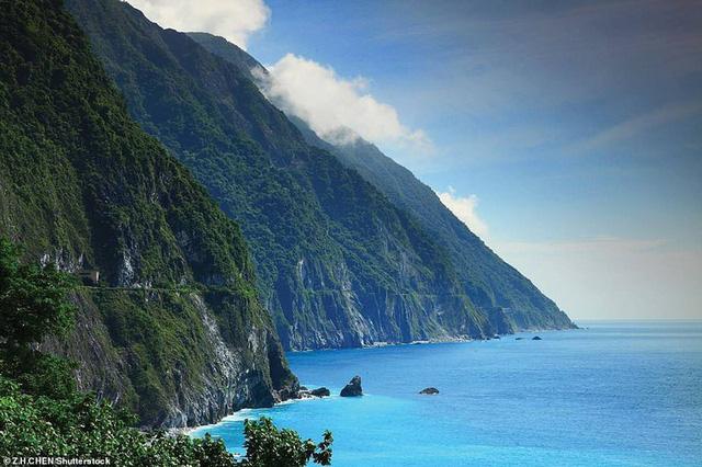 Khám phá những bờ biển tuyệt đẹp trên thế giới - ảnh 7