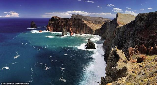 Khám phá những bờ biển tuyệt đẹp trên thế giới - ảnh 8