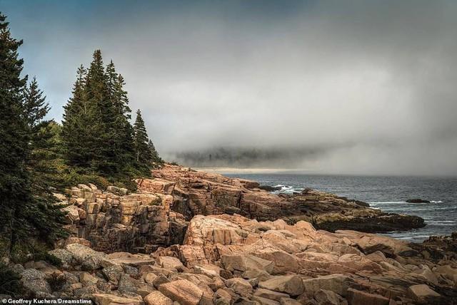 Khám phá những bờ biển tuyệt đẹp trên thế giới - ảnh 9
