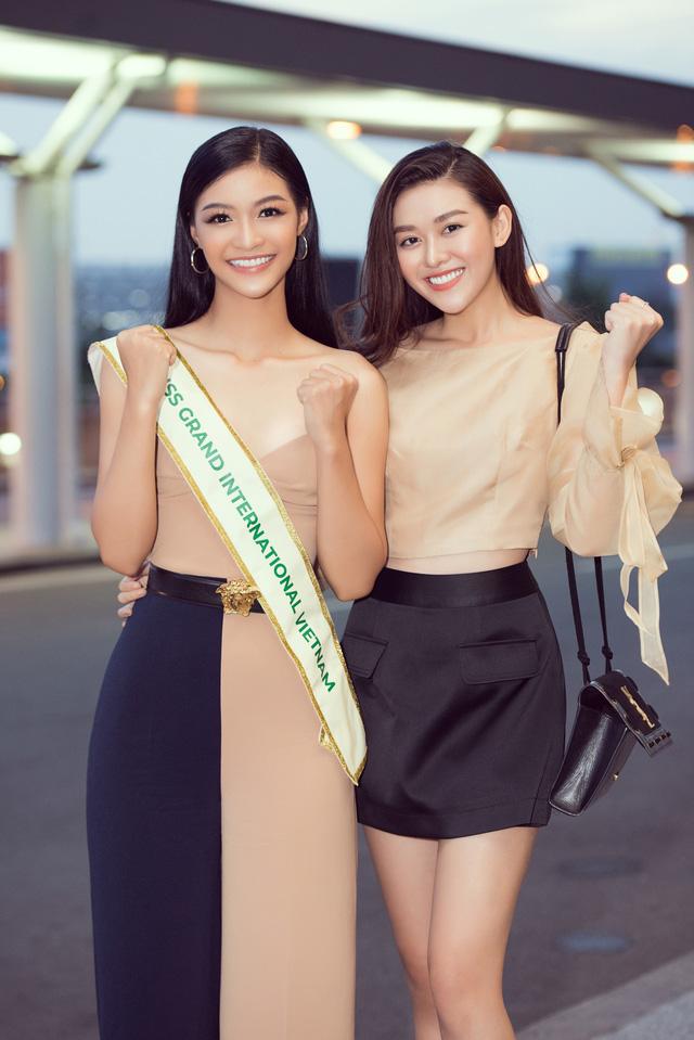 Kiều Loan tự tin catwalk giữa sân bay trước giờ lên đường thi Miss Grand International - Ảnh 7.