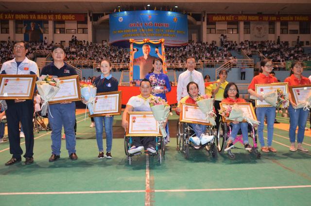 Khai mạc Giải vô địch các môn bóng bàn, cầu lông, cử tạ, cờ vua, Boccia người khuyết tật toàn quốc năm 2019 - Ảnh 2.