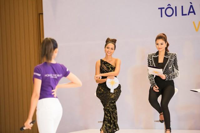 Tôi là Hoa hậu Hoàn vũ Việt Nam 2019 - Tập 2: Giám khảo giận dữ, bức xúc vì điều này - Ảnh 13.