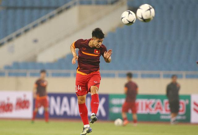 ẢNH: ĐT Việt Nam tập làm quen sân Mỹ Đình, sẵn sàng cho trận gặp ĐT Malaysia - Ảnh 6.