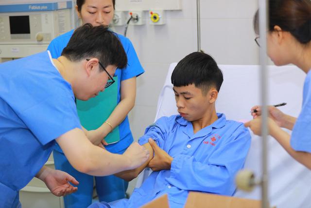 Khám chữa bệnh miễn phí tại các điểm dân cư khó khăn ở Thái Nguyên - Ảnh 5.