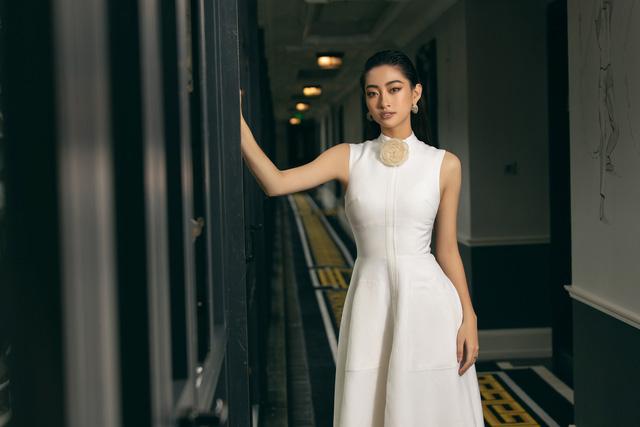 """Hoa hậu Lương Thùy Linh """"mách nhỏ"""" phong cách đồ thu đông 2019 - Ảnh 20."""
