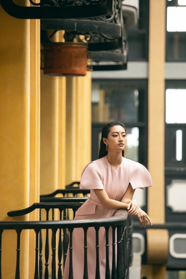 """Hoa hậu Lương Thùy Linh """"mách nhỏ"""" phong cách đồ thu đông 2019 - Ảnh 17."""