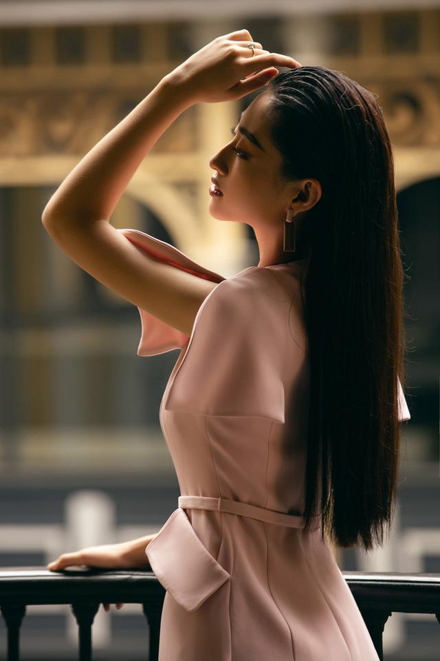 """Hoa hậu Lương Thùy Linh """"mách nhỏ"""" phong cách đồ thu đông 2019 - Ảnh 16."""