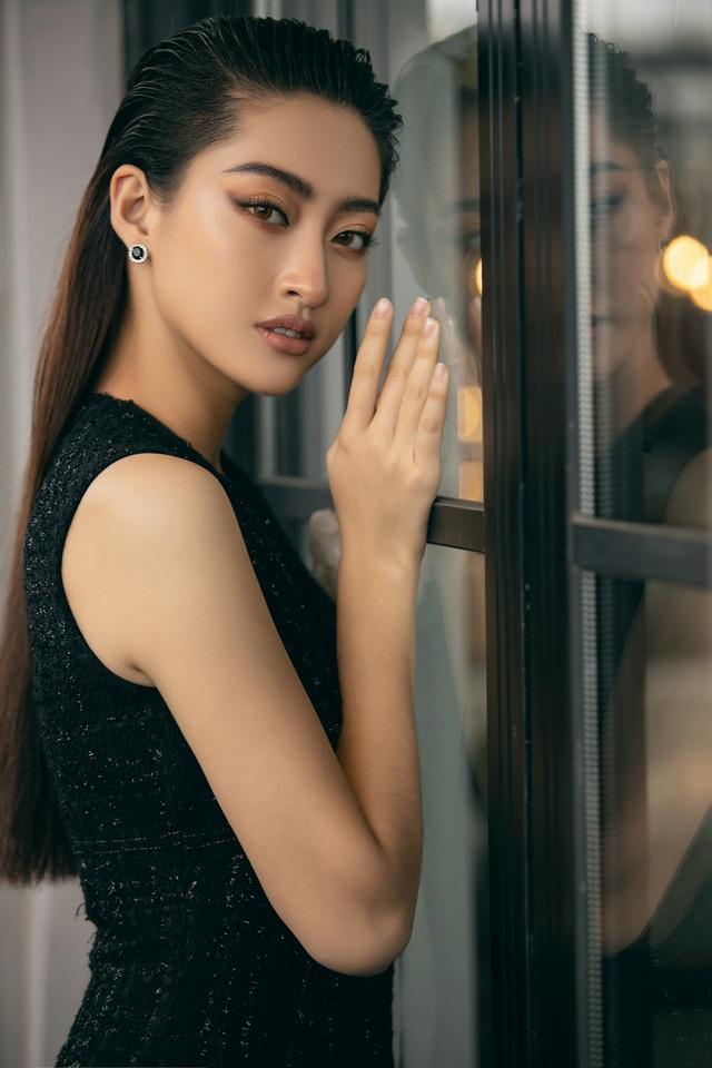 """Hoa hậu Lương Thùy Linh """"mách nhỏ"""" phong cách đồ thu đông 2019 - Ảnh 13."""
