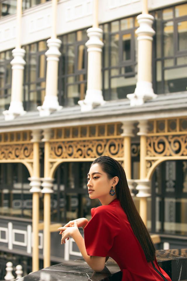 """Hoa hậu Lương Thùy Linh """"mách nhỏ"""" phong cách đồ thu đông 2019 - Ảnh 12."""