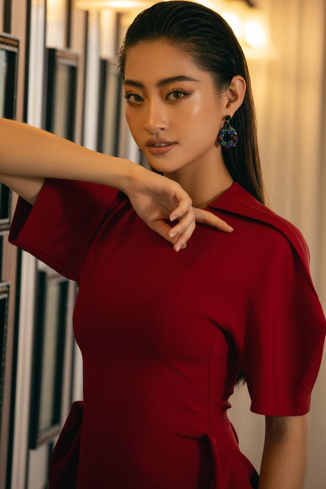 """Hoa hậu Lương Thùy Linh """"mách nhỏ"""" phong cách đồ thu đông 2019 - Ảnh 10."""