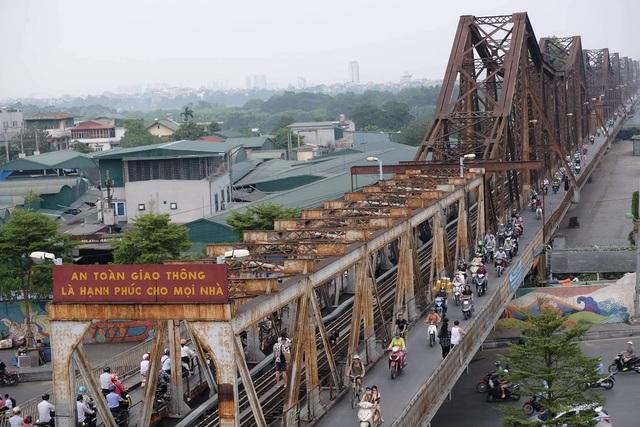 """CNN: Cầu Long Biên có thể thành """"điểm nóng"""" du lịch mới - Ảnh 1."""