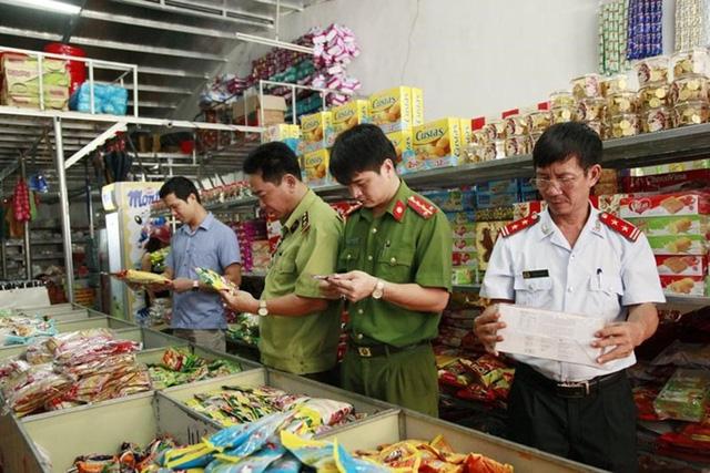 Lập 6 đoàn kiểm tra liên ngành về an toàn thực phẩm Tết Nguyên đán - Ảnh 1.