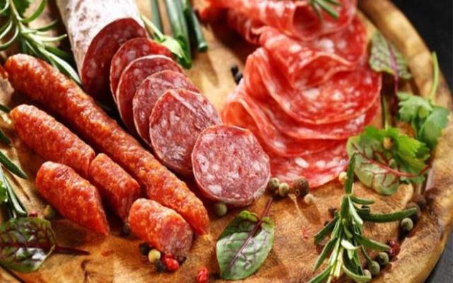 7 loại thực phẩm gây lão hóa sớm - ảnh 5