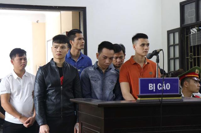 Khá Bảnh lĩnh án 10 năm 6 tháng tù vì tội Đánh bạc và Tổ chức đánh bạc - Ảnh 2.