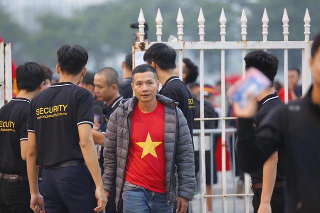 Thắt chặt an ninh trước thềm trận đấu ĐT Việt Nam - ĐT UAE - Ảnh 7.