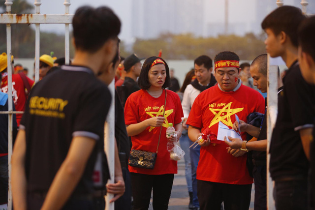 Thắt chặt an ninh trước thềm trận đấu ĐT Việt Nam - ĐT UAE - Ảnh 2.