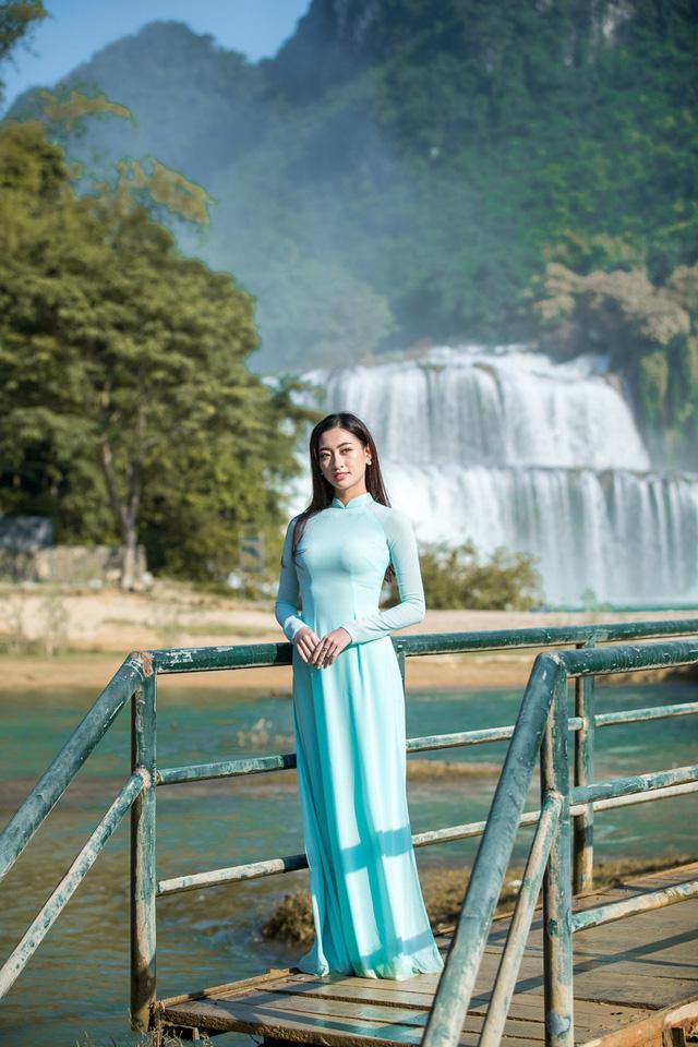 Hoa hậu Lương Thùy Linh đẹp mê hoặc trong clip tự giới thiệu gửi đến Miss World 2019 - Ảnh 13.