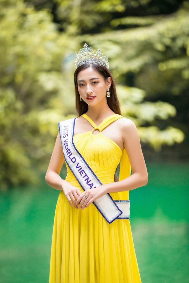 Hoa hậu Lương Thùy Linh đẹp mê hoặc trong clip tự giới thiệu gửi đến Miss World 2019 - Ảnh 6.