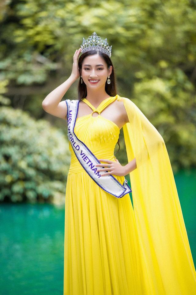 Hoa hậu Lương Thùy Linh đẹp mê hoặc trong clip tự giới thiệu gửi đến Miss World 2019 - Ảnh 5.