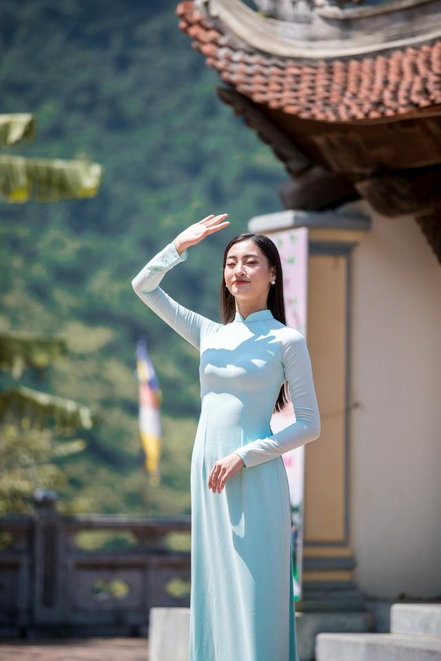 Hoa hậu Lương Thùy Linh đẹp mê hoặc trong clip tự giới thiệu gửi đến Miss World 2019 - Ảnh 7.
