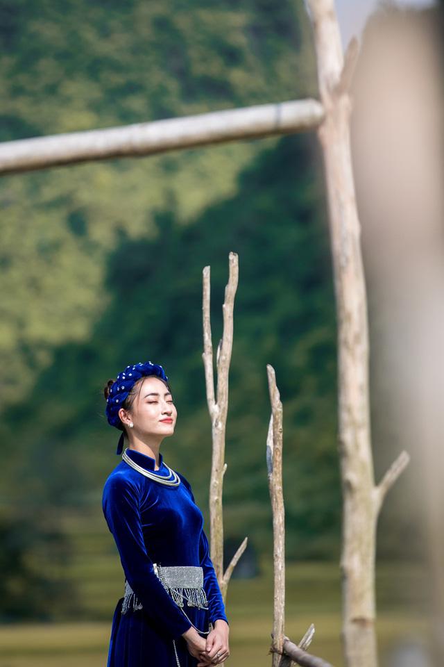 Hoa hậu Lương Thùy Linh đẹp mê hoặc trong clip tự giới thiệu gửi đến Miss World 2019 - Ảnh 3.