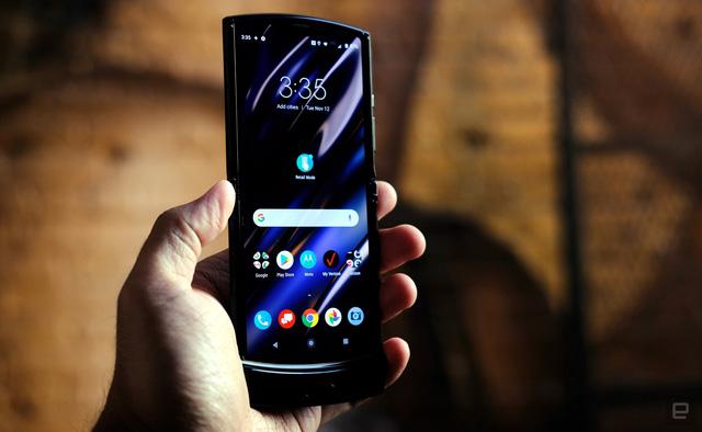 Cận cảnh Motorola Razr 2019: Đắt có xắt ra miếng? - Ảnh 9.