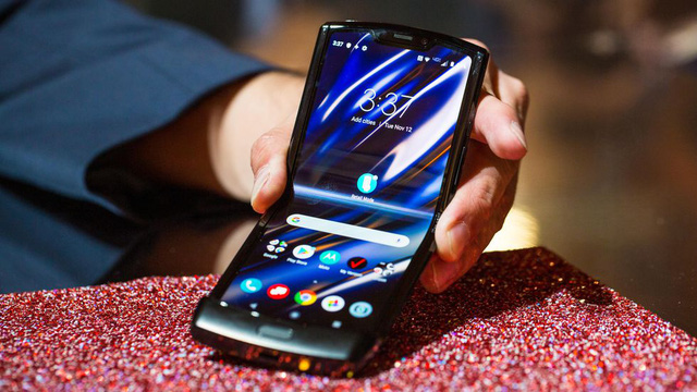 Cận cảnh Motorola Razr 2019: Đắt có xắt ra miếng? - Ảnh 8.