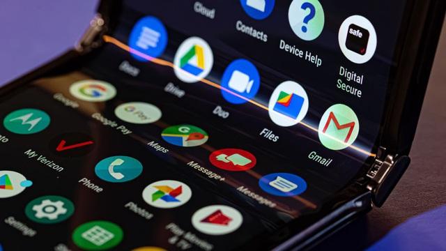 Cận cảnh Motorola Razr 2019: Đắt có xắt ra miếng? - Ảnh 10.