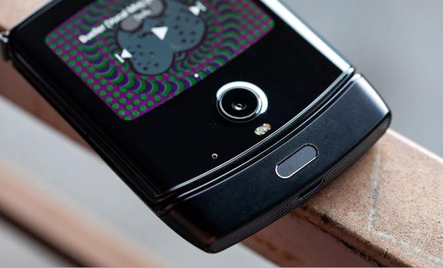 Chính thức: Motorola Razr được hồi sinh, giá bán 1.500 USD - Ảnh 4.