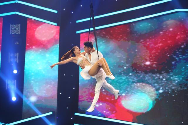 Vượt trội về điểm số, nghệ sĩ xiếc Phương Đông giành giải nhất tuần 100 giây rực rỡ mùa 2 - Ảnh 3.