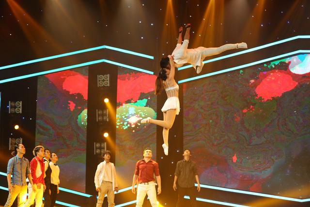 Vượt trội về điểm số, nghệ sĩ xiếc Phương Đông giành giải nhất tuần 100 giây rực rỡ mùa 2 - Ảnh 2.