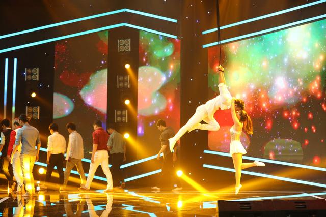 Vượt trội về điểm số, nghệ sĩ xiếc Phương Đông giành giải nhất tuần 100 giây rực rỡ mùa 2 - Ảnh 1.