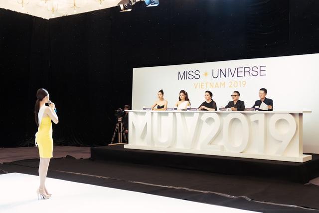 Tôi là Hoa hậu Hoàn vũ 2019 - Tập 7: Thúy Vân dẫn đầu, 15 cô gái bị loại - Ảnh 3.