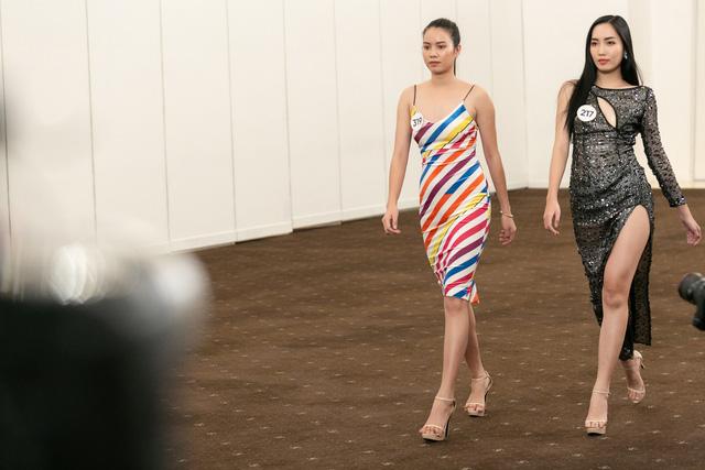 Tôi là Hoa hậu Hoàn vũ Việt Nam 2019 - Tập 7: Nhường suất cho thí sinh khác, Hương Ly bị mắng thẳng mặt - Ảnh 8.